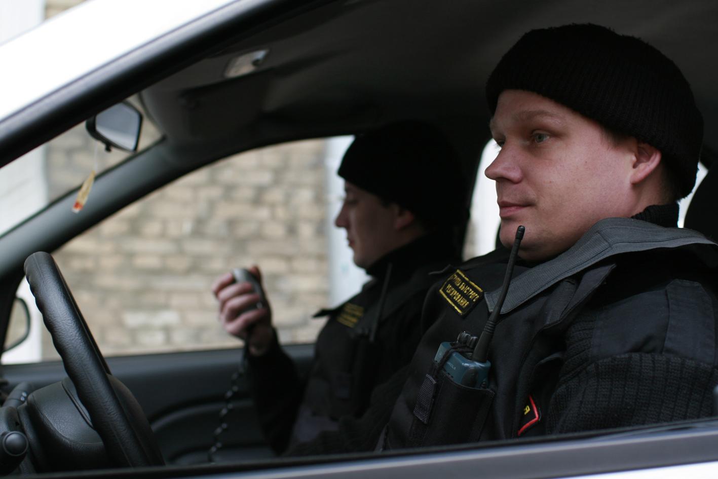 вакансии охранник-водитель в московской области над фотографиями